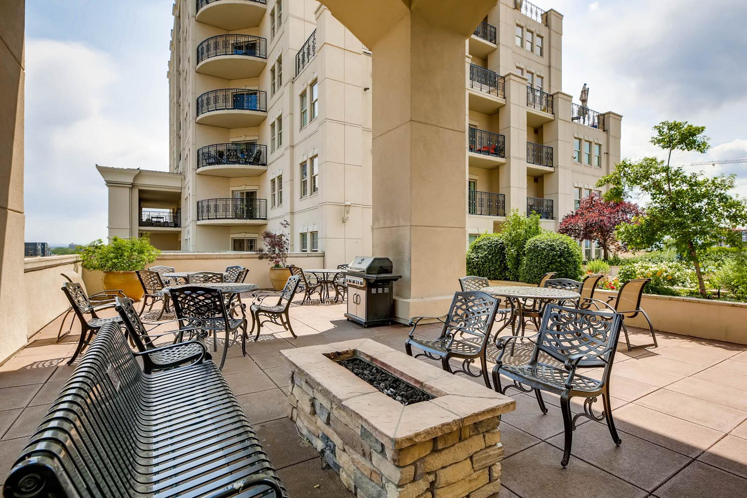 925 Lincoln 12J Denver CO-print-021-23-Fire Pit and Grilling Area-2700x1800-300dpi